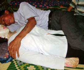 vietnamese-man-sleeps-with-dead-wife